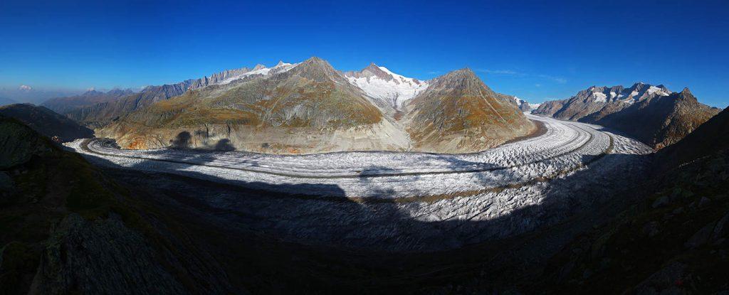 The Aletsch glacier is the biggest glacier in the Alps.