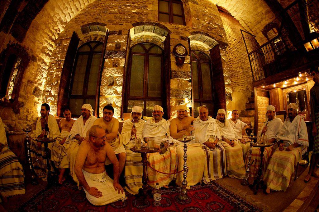 Redovno druženje muškaraca u hammamu koji neprestano radi još od 12 stoljeća