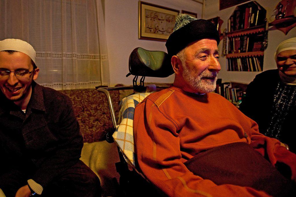 Mesud Hadžimejlić bio je glavni šejh u Bosni sve dok nije preminuo 2009. godine. Posljednjih godina teške bolesti uz njega su stalno boravili njegovi učenici. Oni su rekli da se šejh nikad nije požalio na svoje stanje, dapače, neprestano je zahvaljivao Bogu što mu je pružio tu milost da ga slavi i kad mu je teško.