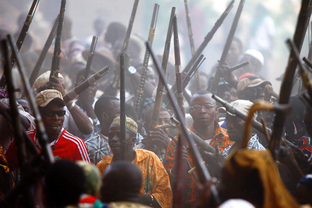 Muškarci su ponosni lovci, pa je svako slavlje obilježeno pucnjavom.