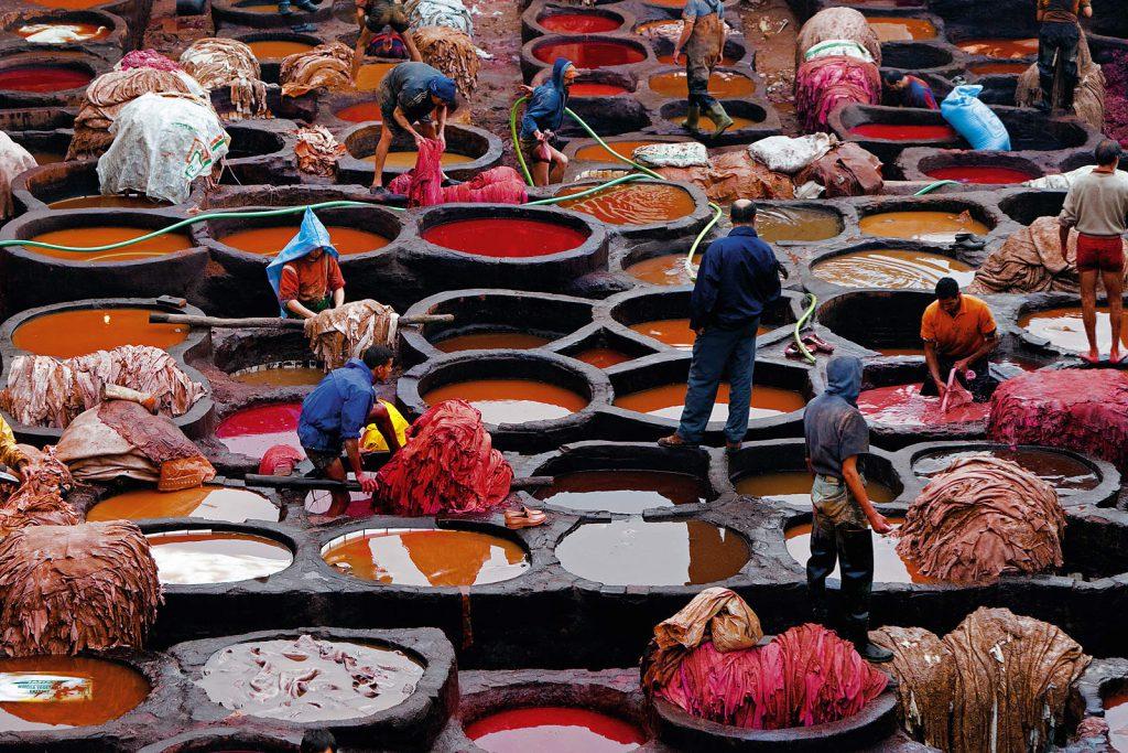 U bazenima s bojom kože se namaču danima, a potrebno ih je redovno ispirati.
