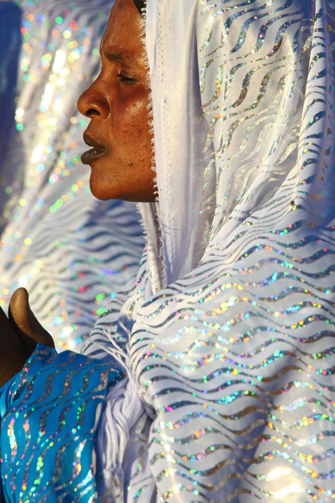 While Tuareg men cover their faces, Tuareg women don't.