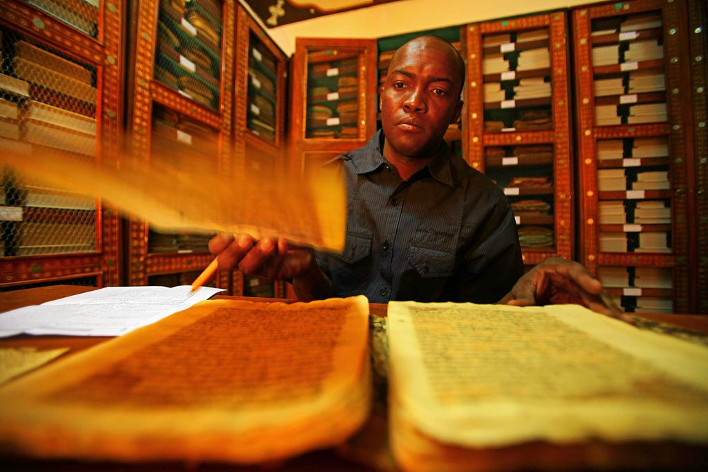 Legendary Timbuktu – one of the most important ancient caravan towns of the Sahara – is known for its old libraries where a wealth of manuscripts is held.