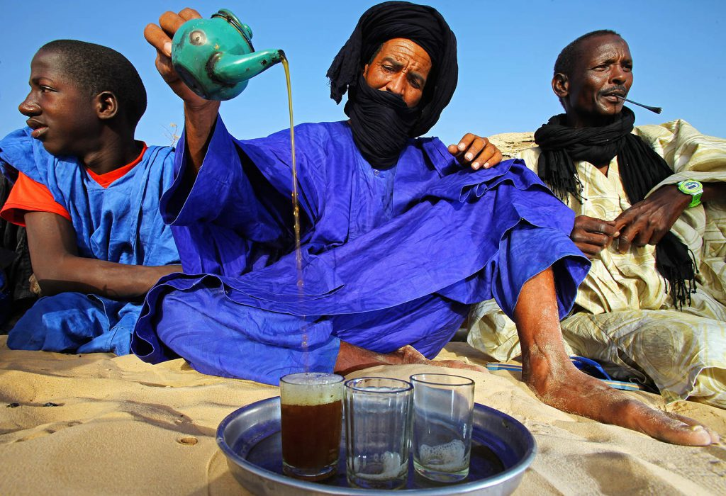 In its northernmost point, the  river Niger reaches the Sahara that is inhabited by nomadic people – the Tuareg.