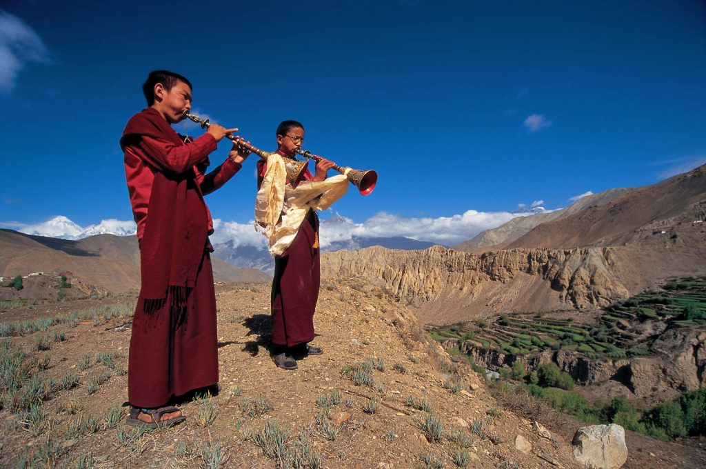 The isolated kingdom of Mustang is situated in one of the most hidden corners of the Himalayas. Thanks to the autonomous situation within the borders of Nepal, it avoided Chinese destruction of te Tibetan culture and became the only place where that culture survived in its original form.