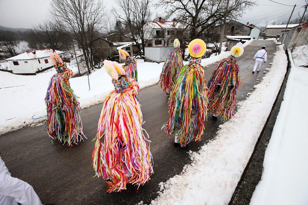 Svake godine prije korizme, mještani obilaze svoja sela i izvode vjekovne obrede.